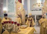 Патриарший экзарх совершил всенощное бдение в Свято-Троицком кафедральном соборе в Париже
